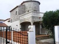 Ferienhaus für max. 4 Personen auf einem abgeschlossenen Eckgrundstück  in einer Villensiedlung