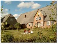 Kinderfreundliches Ferienhaus auf Hof von 1845 am Nord-Ostsee-Kanal, Nordseen�he, Schleswig-Holstein