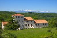 Großes Ferienhaus bestehend aus 4 Wohneinheiten, Möglichkeit bis zu mehr als 20 Personen