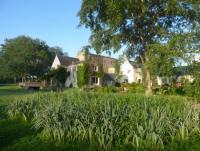 FH Ouessant der Wassermühle von Kerellec liegt  am Fluss und hat  direkten Ausgang in den Garten