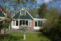 Sehr komfortabel eingerichtetes Ferienhaus in Ouddorp aan Zee, nur ca. 800 m zum Strand und Ort.