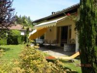 Ferienhaus 90 qm, große Sonnenterrasse, 3 Schlafzimmer, Wohn/Esszimmer mit Kamin, bis zu 6 Personen