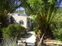 Ferienwohnung und zwei Apartments mit Pool - nur 16 km vom Mittelmeer
