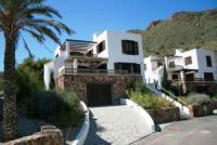 Das freistehende Haus mit Meerblick u. Swimmingpool ist sehr geräumig u. bietet Platz für 8 Personen