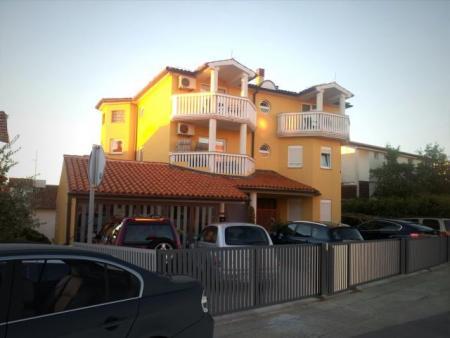 Ferienhaus in Pula-Pjescana Uvala