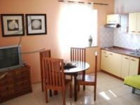 Ferienwohnung bis 5 Personen mit 1 Grossen Terrasse, und 1 Schlafzimmer