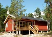Ferienhaus Tjäder für max. 6 Personen mit großer Terrasse nahe am Wasser