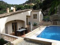 Ferienhausmit Pool f�r 4 Personen, Wohnfl�che:120 m�  Wohn-Esszimmer, K�che, 3 Schlafzimmer, 2 B�der