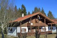 Gemütlich eingerichtetes beheiztes Ferienhaus am Waldrand für 4 Erwachsene und 1 Kind bis 5 Jahre