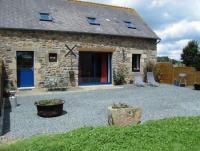 Das Ferienhaus mit sonniger Terrasse und 3 Schlafzimmern bietet Platz für 6 Personen