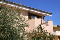 Die Apartments in Valledoria, Sardinien mit Waschmaschine, Sat-TV und Klimaanlage bieten 4 Betten