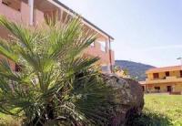 Die FeWos mit Waschmaschine, Sat-TV und Klimaanlage bieten 5/6 Betten in Valedoria, Nordsardinien.