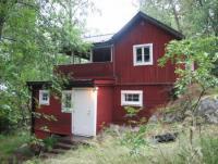 Charmantes Ferienhaus in Lännersta  nahe an Seen und am Puls Stockholms zu vermieten