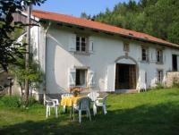 Unser Bauernhaus am Südhang bietet Platz für 2-7 Personen. 4 Schlafzimmer + 2.oberes Wohnzimmer