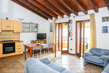 Flat in Castelletto di Brenzone