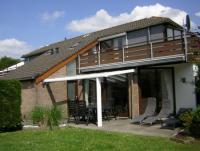 Das Ferienhaus in Südlage mit 2 Schlafzimmern und 2 Bädern bietet Platz für 4 Personen