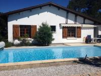 Holiday house pool france atlantikcoast pets allowed big garden in Biscarrosse for rent 6-8 people