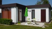 Ferienhaus mit sonniger Terrasse und 2 Schlafzimmer bietet Platz für 4-6 Personen!