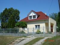 Ferienhaus mit 2 Schlafzimmern und großem Garten und Garage nicht weit vom Plattensee in Ungarn