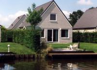 Ferienhaus Beate am Ijsselmeer in Medemblik mit drei Schlafzimmern bietet Platz für sechs Personen.