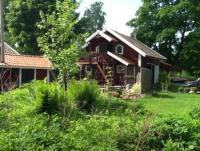 Typisch schwedisches Gästehaus mit sonniger Terrasse bietet Platz für 4 Personen