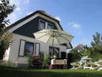 Reetgedeckte luxus Villa, direkt hinter den D�nen in Julianadorp im Villenpark Duynopgangh