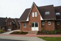 Das Ferienhaus mit möblierter Terrasse und Grünfläche bietet mit 3 Schlafzimmern Platz für 6 Gäste.