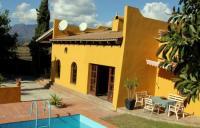 Ferienhaus mit Swimming Pool und grossem Garten in Estepona zu vermieten
