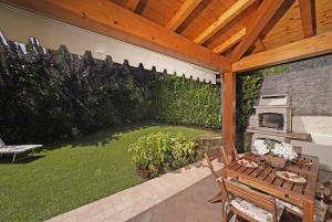 Villa Daniela with beautiful garden, grill, wi-fi