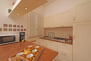Kitchen with dishwasher and coffee machine