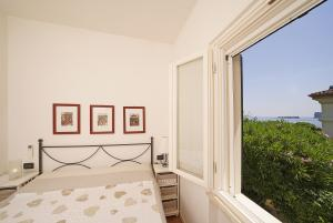 1. Bedroom with double bed, air condit., wardrobe