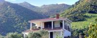 Ferienhaus DA PINA in Alleinlage, mit 2 Ferien-Apartments, gedeckte Terrasse auf drei Seiten