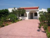 Ferienhaus mit Pool auf großem Anwesen an der Costa Gorgognolo bei Ostuni zu vermieten