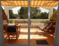 Ferienwohnung Costa Brava großer, sonniger Balkon und eine Veranda mit Blick auf die Pyrenäen