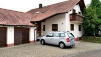 Das Ferienhaus Knebel zeigt überdurchschnittliche Ausstattung und hat Platz für bis zu 12 Personen