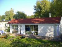 Ferienhaus mit Sauna, Motorboot und Steg, Nähe Ostsee am Malchiner See, Mecklenburgische Seenplatte