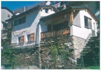 Stilvolles, freistehendes Ferienhaus in Orasso 15 km von Cannobio, ruhige Südlage, bevorzugt 2 Pers.