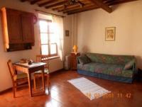 Studiowohnung (35 m² Wohnfläche) für 2 Personen, mit Balkon in einem alten Bürgerhaus.