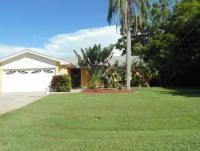 Ferienhaus mit sonniger Florida lanai am Kanal mit 2 Schlafzimmern und 2 Bädern