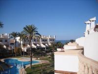 Die Wohnung mit 18 qm Balkon mit Blick zum Meer verf�gt �ber 2 Schlafzimmer f�r max. 4 Personen