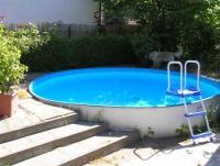 Ferienhaus im Grünen in Neuenhagen bei Berlin mit Swimming Pool nahe Hoppegarten zu vermieten!