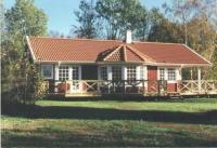 Das Ferienhaus mit sonniger Terrasse und 3 Schlafzimmern bietet Platz für 6 Personen und Kleinkind