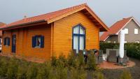 Ferienhaus in Walchum im Emsland, direkt am kleinen privaten Badesee gelegen, privat zu vermieten.