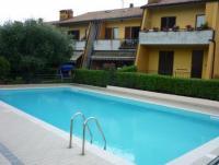 Schönes Villa, für 10-12 Personen, mit Pool, Veranda, privatem Garten. 4 Schlafzimmern, bis 12 Pers.