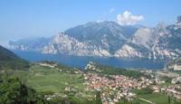 Ferienwohnung mit Blick �ber den Gardasee - Panoramawohnung in idyllischer Lage zu vermieten