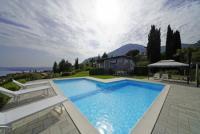 Villa Laura - Ferienhaus mit privatem Pool, Garten, herrlicher Blick auf den See. 3 SZ. Frei WLAN