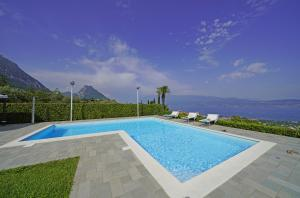 Private swimming-pool of Villa Laura