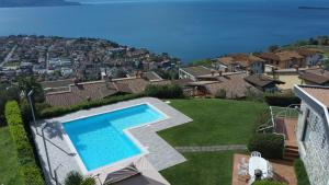 Villa Laura: pool, garden and beautiful panorama