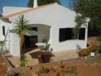 Algarve: Die Ferienwohnung Casa Figueira für 2 Personen hat eine große, sichtgeschützte Terrasse