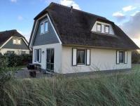 Riedgedecktes Ferienhaus in Julianadorp aan Zee, nur durch Dünen vom Meer getrennt, WLAN,